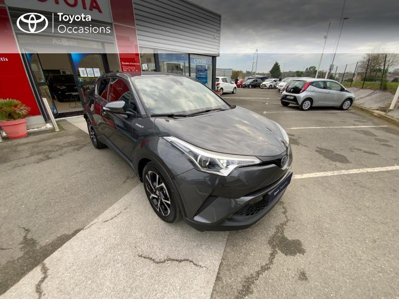 Photo 19 de l'offre de TOYOTA C-HR 122h Edition 2WD E-CVT RC18 à 22890€ chez Altis - Toyota Auray