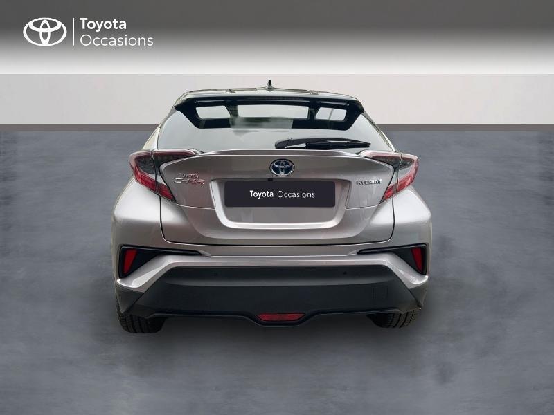 Photo 4 de l'offre de TOYOTA C-HR 122h Graphic 2WD E-CVT RC18 à 22690€ chez Altis - Toyota Auray