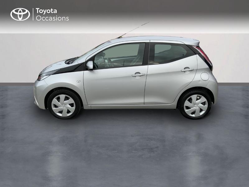 Photo 3 de l'offre de TOYOTA Aygo 1.0 VVT-i 69ch x-play 5p à 8890€ chez Altis - Toyota Auray