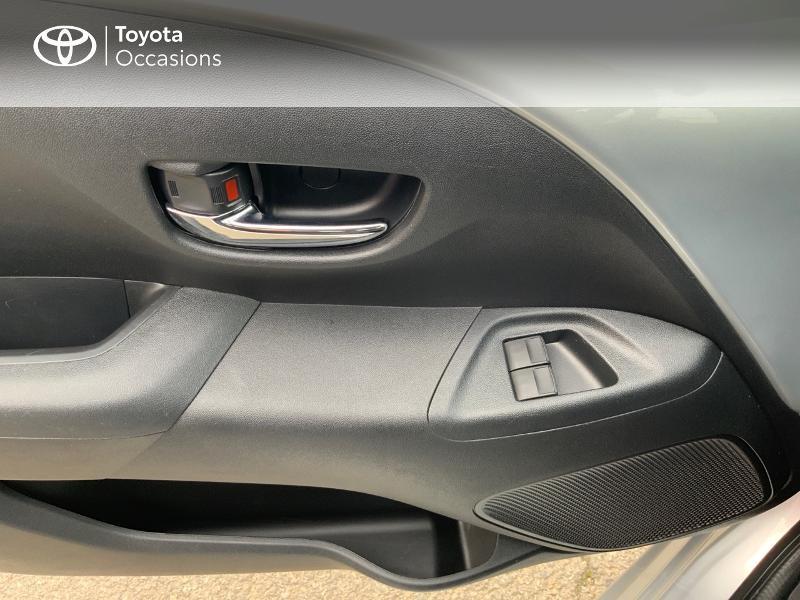 Photo 21 de l'offre de TOYOTA Aygo 1.0 VVT-i 69ch x-play 5p à 8890€ chez Altis - Toyota Auray