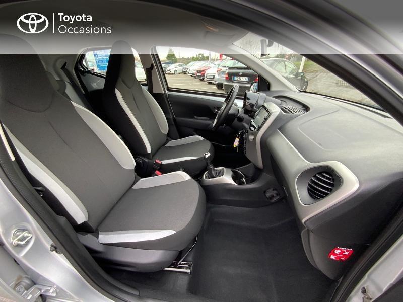 Photo 6 de l'offre de TOYOTA Aygo 1.0 VVT-i 69ch x-play 5p à 8890€ chez Altis - Toyota Auray