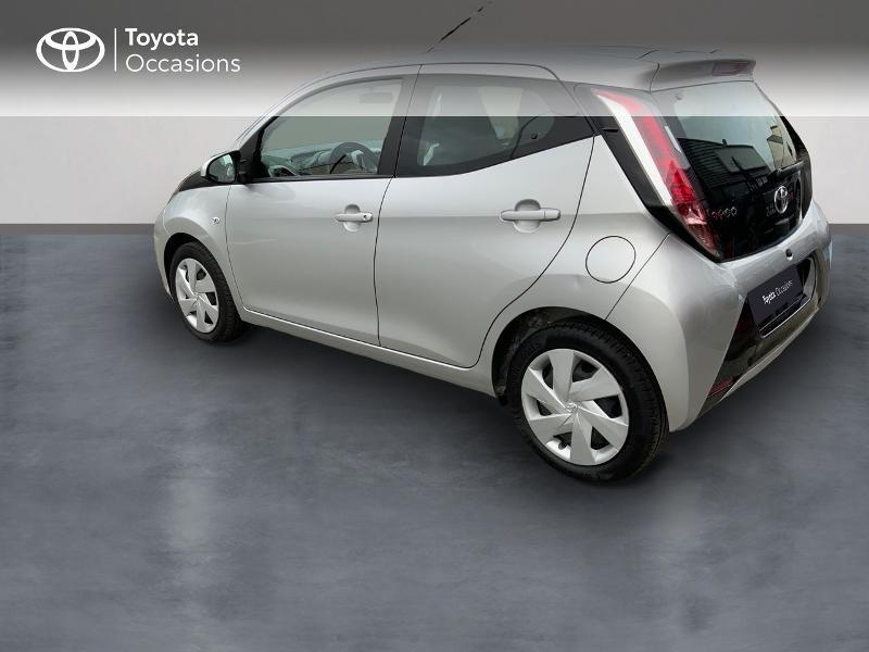 Photo 2 de l'offre de TOYOTA Aygo 1.0 VVT-i 69ch x-play 5p à 8890€ chez Altis - Toyota Auray