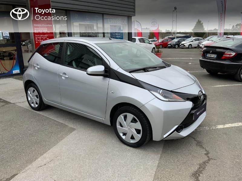 Photo 19 de l'offre de TOYOTA Aygo 1.0 VVT-i 69ch x-play 5p à 8890€ chez Altis - Toyota Auray