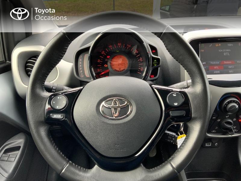Photo 13 de l'offre de TOYOTA Aygo 1.0 VVT-i 69ch x-play 5p à 8890€ chez Altis - Toyota Auray