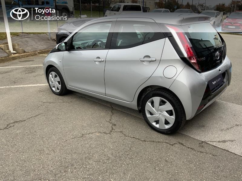 Photo 26 de l'offre de TOYOTA Aygo 1.0 VVT-i 69ch x-play 5p à 8890€ chez Altis - Toyota Auray