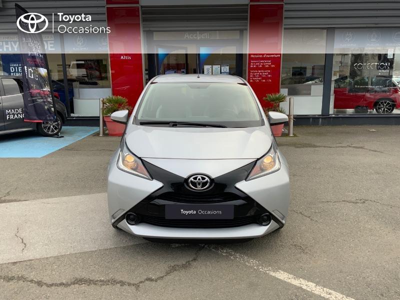 Photo 29 de l'offre de TOYOTA Aygo 1.0 VVT-i 69ch x-play 5p à 8890€ chez Altis - Toyota Auray