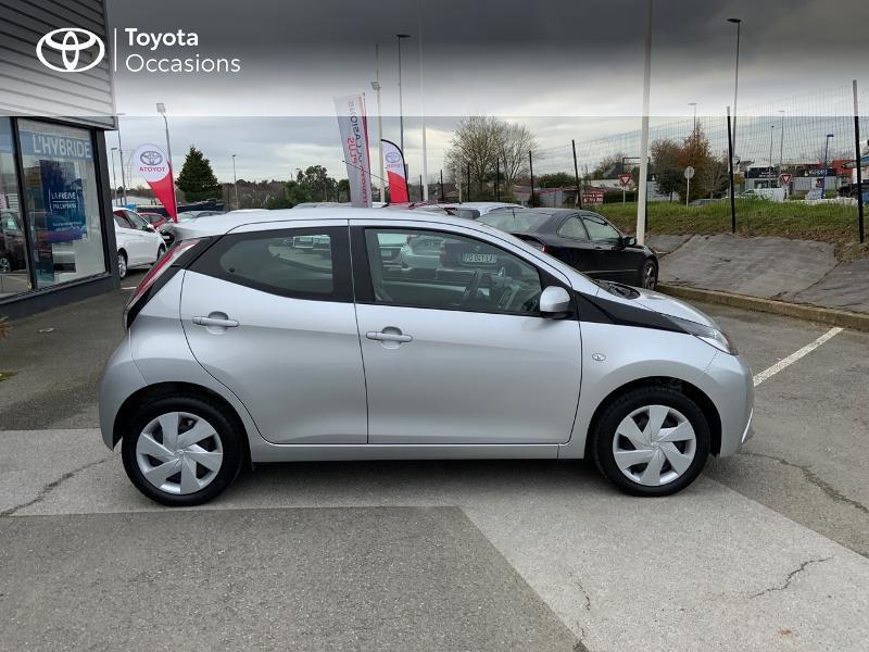 Photo 17 de l'offre de TOYOTA Aygo 1.0 VVT-i 69ch x-play 5p à 8890€ chez Altis - Toyota Auray