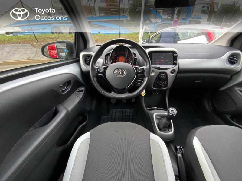 Photo 9 de l'offre de TOYOTA Aygo 1.0 VVT-i 69ch x-play 5p à 8890€ chez Altis - Toyota Auray