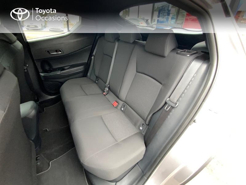 Photo 12 de l'offre de TOYOTA C-HR 122h Graphic 2WD E-CVT RC18 à 22690€ chez Altis - Toyota Auray