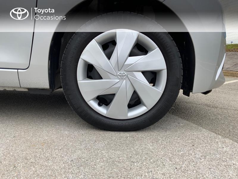 Photo 16 de l'offre de TOYOTA Aygo 1.0 VVT-i 69ch x-play 5p à 8890€ chez Altis - Toyota Auray