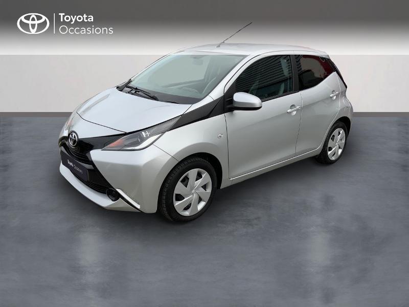 Photo 1 de l'offre de TOYOTA Aygo 1.0 VVT-i 69ch x-play 5p à 8890€ chez Altis - Toyota Auray