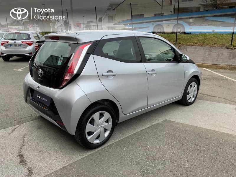 Photo 18 de l'offre de TOYOTA Aygo 1.0 VVT-i 69ch x-play 5p à 8890€ chez Altis - Toyota Auray