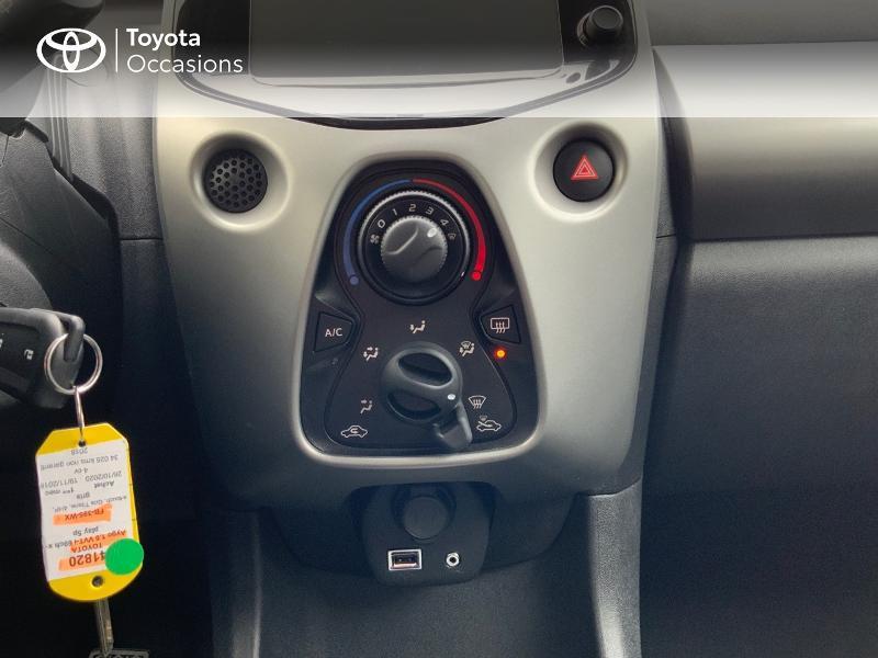 Photo 22 de l'offre de TOYOTA Aygo 1.0 VVT-i 69ch x-play 5p à 8890€ chez Altis - Toyota Auray