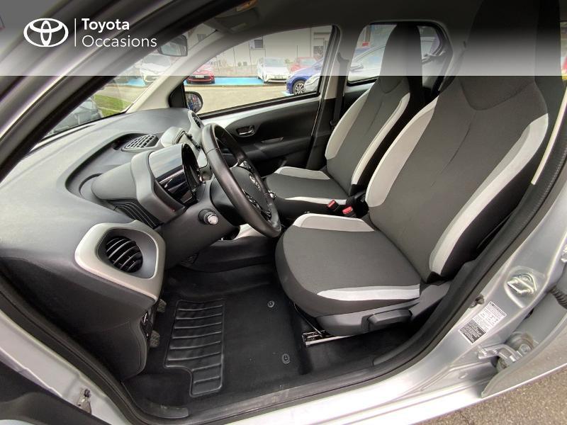 Photo 11 de l'offre de TOYOTA Aygo 1.0 VVT-i 69ch x-play 5p à 8890€ chez Altis - Toyota Auray
