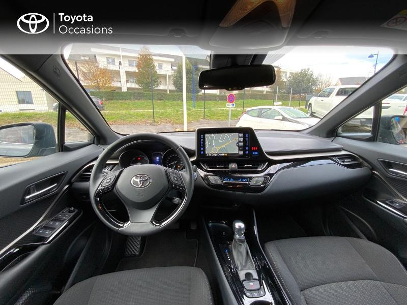 Photo 8 de l'offre de TOYOTA C-HR 122h Edition 2WD E-CVT RC18 à 22890€ chez Altis - Toyota Auray