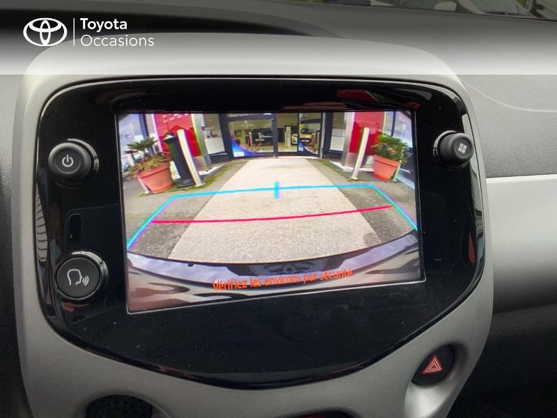 Photo 24 de l'offre de TOYOTA Aygo 1.0 VVT-i 72ch x-play 5p à 9890€ chez Altis - Toyota Auray