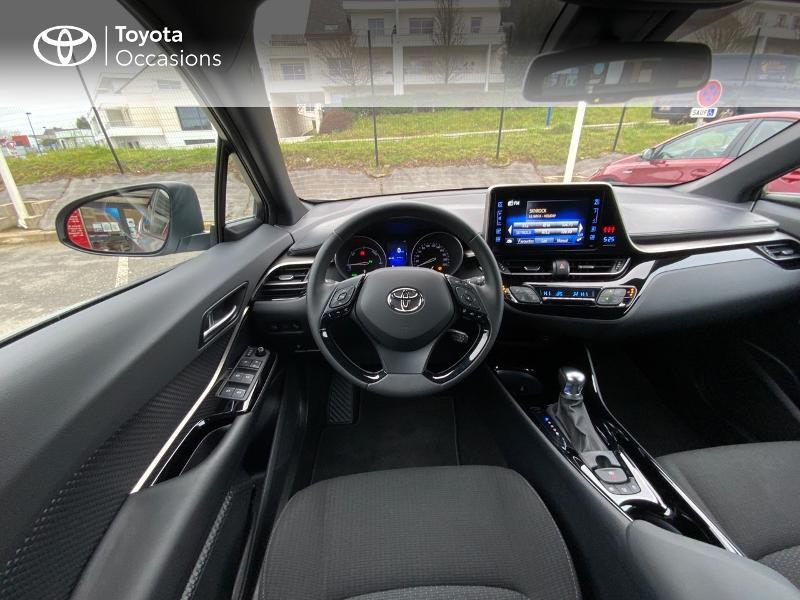 Photo 9 de l'offre de TOYOTA C-HR 122h Graphic 2WD E-CVT RC18 à 23490€ chez Altis - Toyota Auray