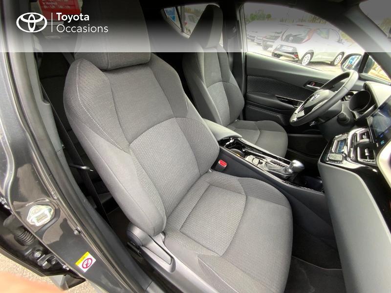 Photo 7 de l'offre de TOYOTA C-HR 122h Edition 2WD E-CVT RC18 à 21990€ chez Altis - Toyota Auray