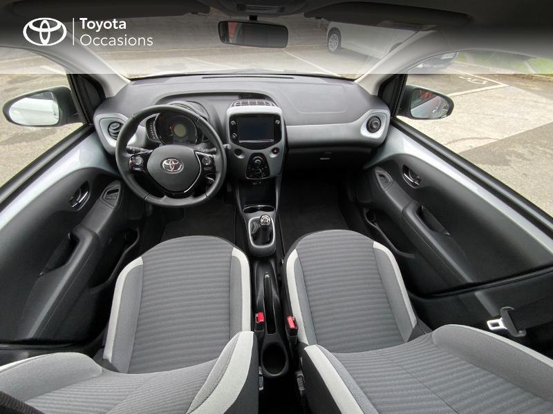 Photo 8 de l'offre de TOYOTA Aygo 1.0 VVT-i 72ch x-play 5p à 9890€ chez Altis - Toyota Auray