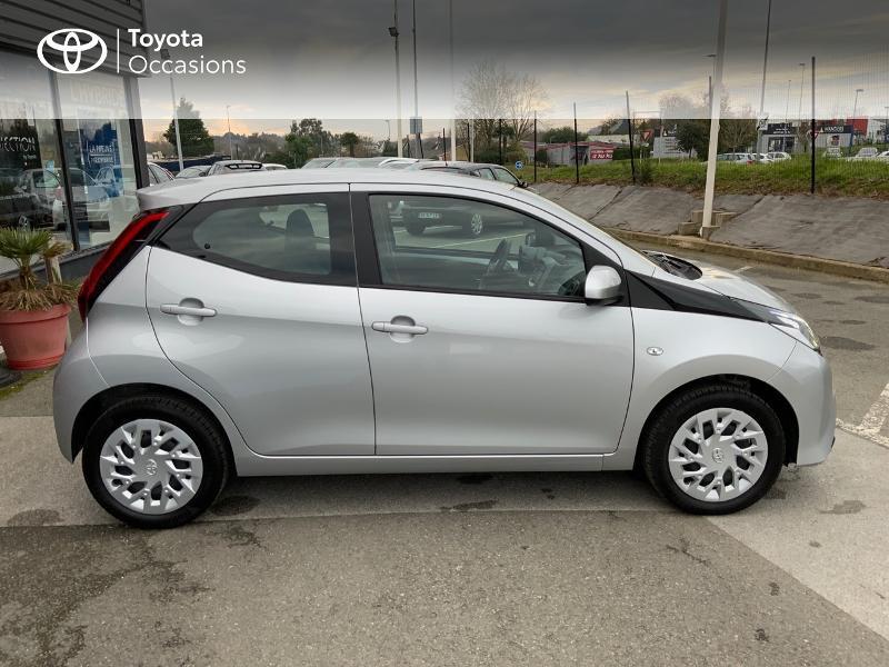 Photo 17 de l'offre de TOYOTA Aygo 1.0 VVT-i 72ch x-play 5p à 9890€ chez Altis - Toyota Auray