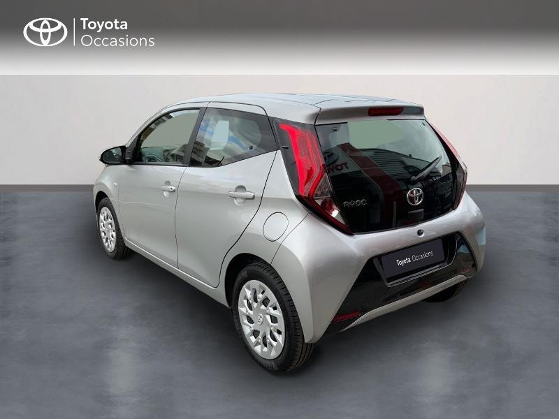 Photo 2 de l'offre de TOYOTA Aygo 1.0 VVT-i 72ch x-play 5p à 9890€ chez Altis - Toyota Auray