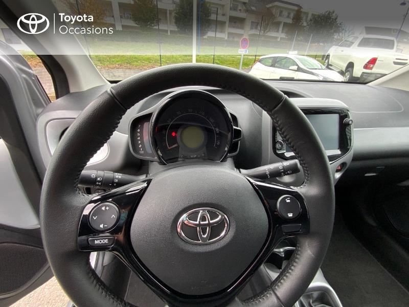 Photo 13 de l'offre de TOYOTA Aygo 1.0 VVT-i 72ch x-play 5p à 9890€ chez Altis - Toyota Auray