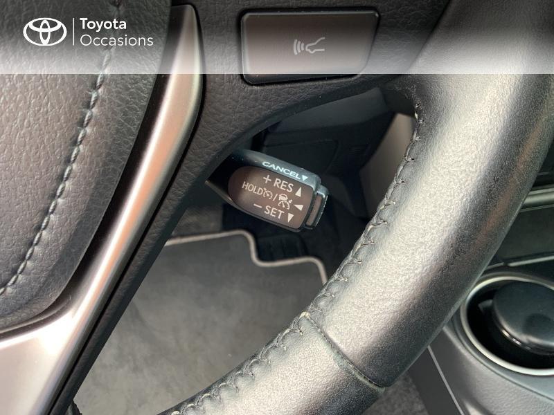 Photo 20 de l'offre de TOYOTA RAV4 197 Hybride Design Business 2WD CVT à 22990€ chez Altis - Toyota Auray