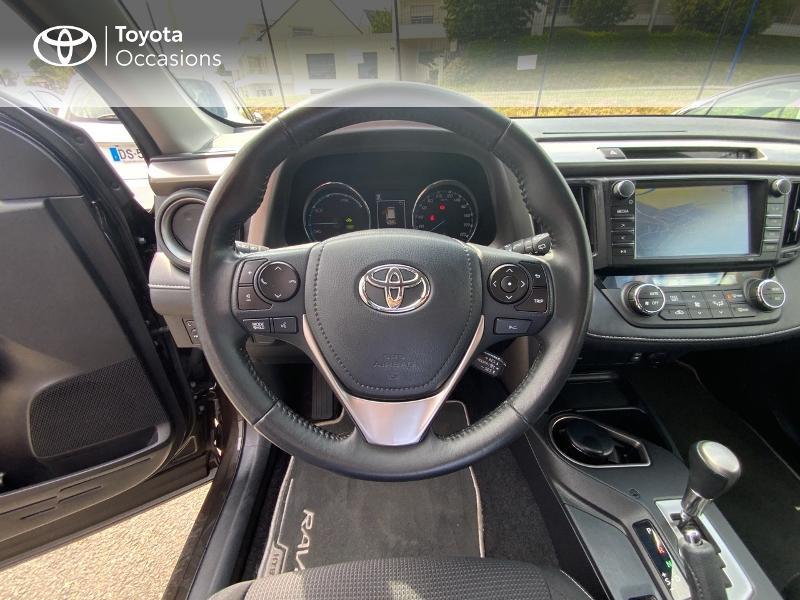 Photo 9 de l'offre de TOYOTA RAV4 197 Hybride Design Business 2WD CVT à 22990€ chez Altis - Toyota Auray