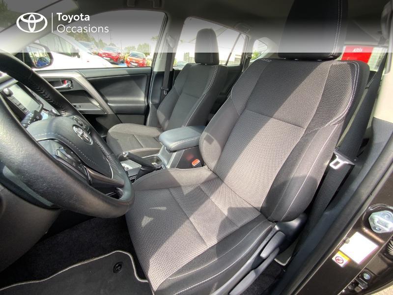 Photo 11 de l'offre de TOYOTA RAV4 197 Hybride Design Business 2WD CVT à 22990€ chez Altis - Toyota Auray