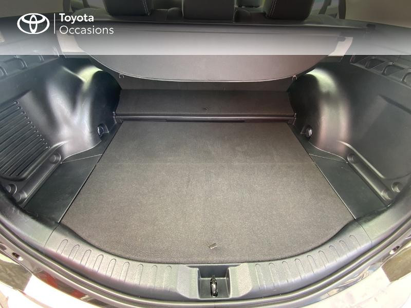 Photo 10 de l'offre de TOYOTA RAV4 197 Hybride Design Business 2WD CVT à 22990€ chez Altis - Toyota Auray