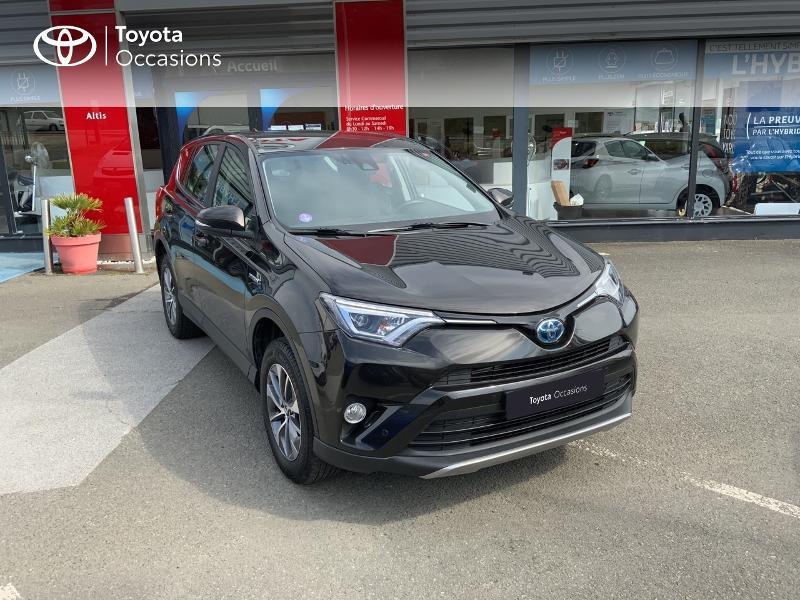 Photo 19 de l'offre de TOYOTA RAV4 197 Hybride Design Business 2WD CVT à 22990€ chez Altis - Toyota Auray