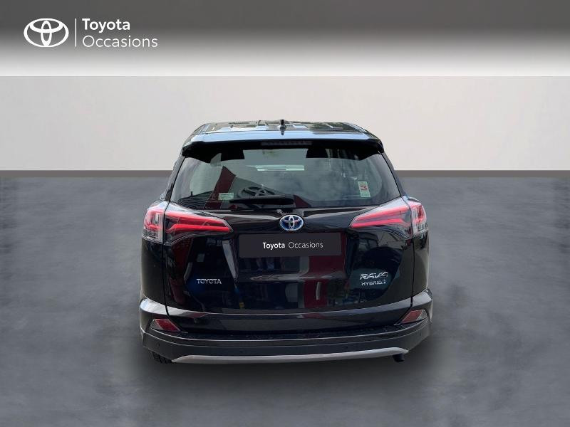 Photo 4 de l'offre de TOYOTA RAV4 197 Hybride Design Business 2WD CVT à 22990€ chez Altis - Toyota Auray
