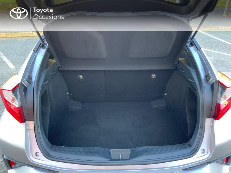 Photo 10 de l'offre de TOYOTA C-HR 122h Edition 2WD E-CVT RC18 à 21890€ chez Altis - Toyota Auray