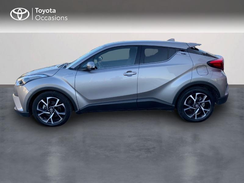 Photo 3 de l'offre de TOYOTA C-HR 122h Edition 2WD E-CVT RC18 à 21890€ chez Altis - Toyota Auray