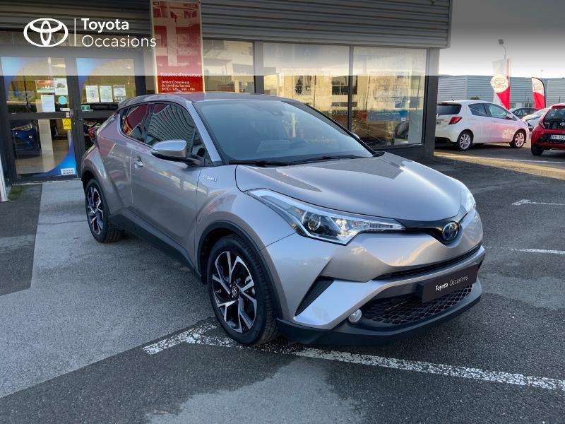 Photo 19 de l'offre de TOYOTA C-HR 122h Edition 2WD E-CVT RC18 à 21890€ chez Altis - Toyota Auray