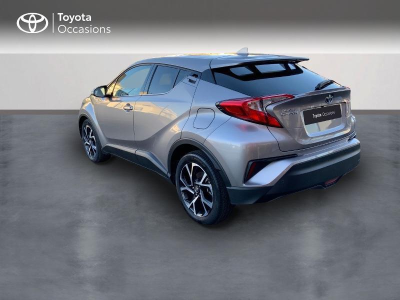 Photo 2 de l'offre de TOYOTA C-HR 122h Edition 2WD E-CVT RC18 à 21890€ chez Altis - Toyota Auray