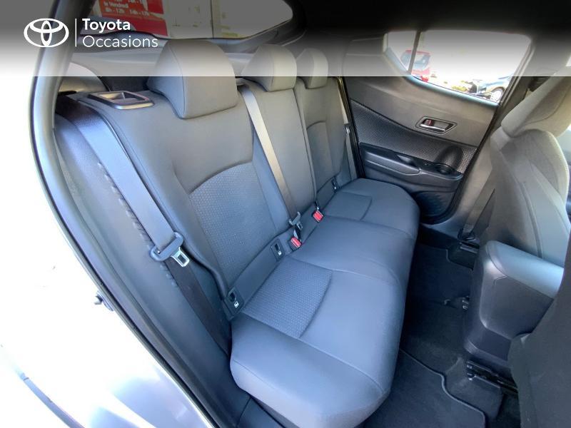 Photo 7 de l'offre de TOYOTA C-HR 122h Edition 2WD E-CVT RC18 à 21890€ chez Altis - Toyota Auray