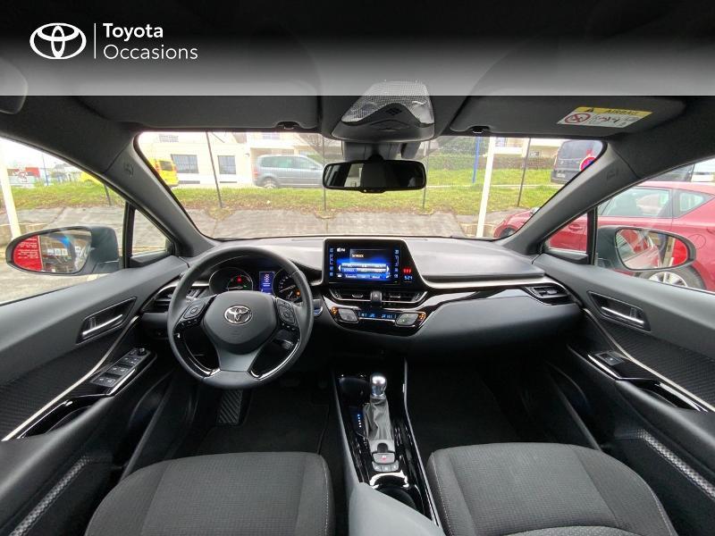Photo 8 de l'offre de TOYOTA C-HR 122h Graphic 2WD E-CVT RC18 à 23490€ chez Altis - Toyota Auray