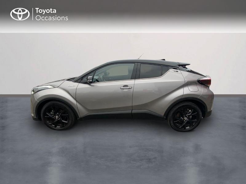 Photo 3 de l'offre de TOYOTA C-HR 122h Graphic 2WD E-CVT RC18 à 23490€ chez Altis - Toyota Auray