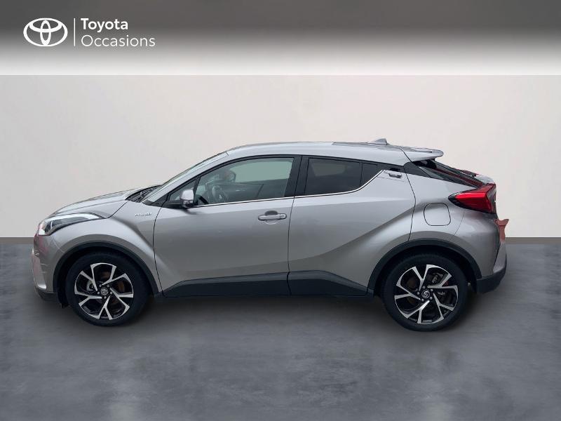Photo 3 de l'offre de TOYOTA C-HR 122h Edition 2WD E-CVT RC18 à 21690€ chez Altis - Toyota Auray