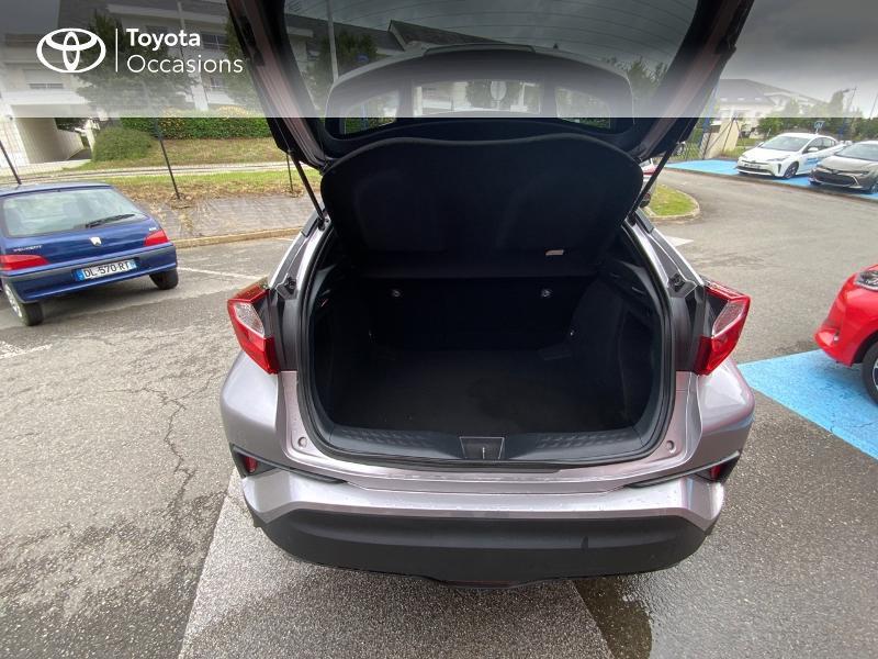 Photo 10 de l'offre de TOYOTA C-HR 122h Edition 2WD E-CVT RC18 à 21690€ chez Altis - Toyota Auray