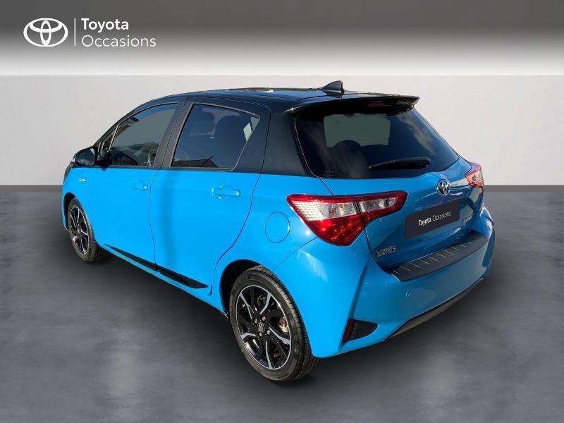 Photo 2 de l'offre de TOYOTA Yaris 100h Cyan Edition 5p RC18 à 15990€ chez Altis - Toyota Auray