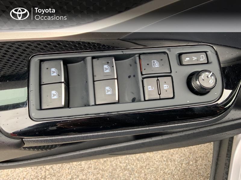 Photo 21 de l'offre de TOYOTA C-HR 122h Edition 2WD E-CVT RC18 à 21690€ chez Altis - Toyota Auray