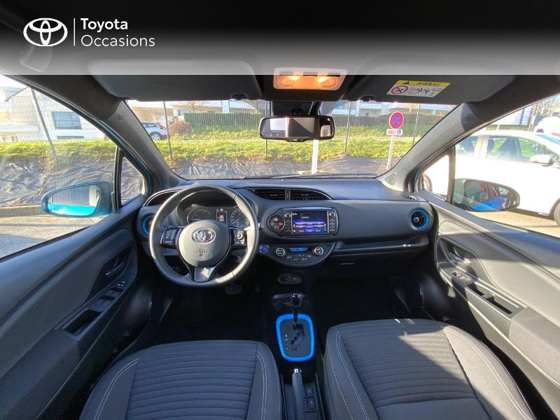 Photo 8 de l'offre de TOYOTA Yaris 100h Cyan Edition 5p RC18 à 15990€ chez Altis - Toyota Auray