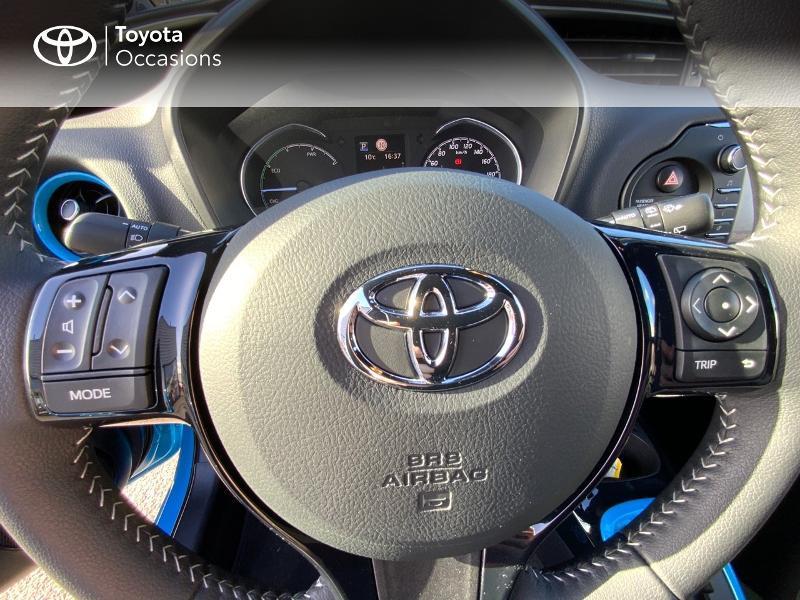 Photo 20 de l'offre de TOYOTA Yaris 100h Cyan Edition 5p RC18 à 15990€ chez Altis - Toyota Auray