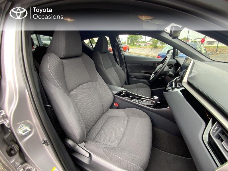 Photo 6 de l'offre de TOYOTA C-HR 122h Edition 2WD E-CVT RC18 à 21690€ chez Altis - Toyota Auray