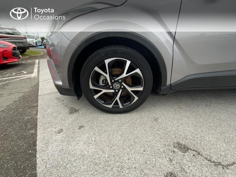 Photo 16 de l'offre de TOYOTA C-HR 122h Edition 2WD E-CVT RC18 à 21690€ chez Altis - Toyota Auray