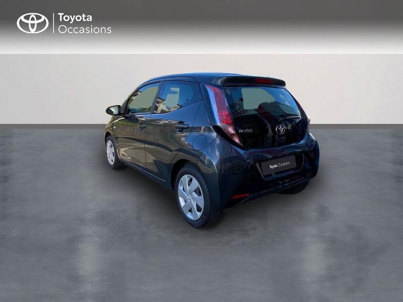 Photo 2 de l'offre de TOYOTA Aygo 1.0 VVT-i 69ch x-play 5p à 8490€ chez Altis - Toyota Auray