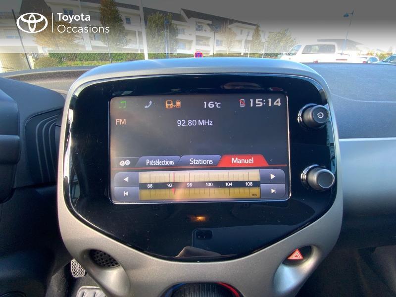 Photo 15 de l'offre de TOYOTA Aygo 1.0 VVT-i 69ch x-play 5p à 8490€ chez Altis - Toyota Auray