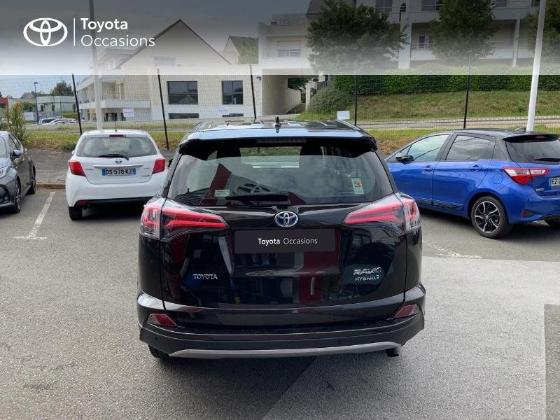 Photo 28 de l'offre de TOYOTA RAV4 197 Hybride Design Business 2WD CVT à 22990€ chez Altis - Toyota Auray